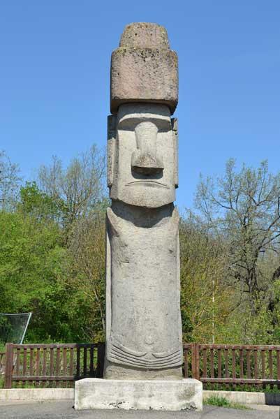 provincia_di_viterbo_vitorchiano_moai_02 (1)